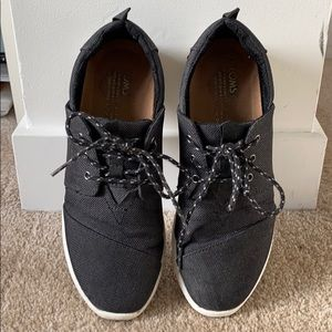 Sneakers from Toms